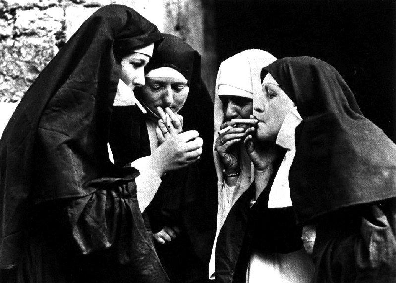 smoking-nuns11